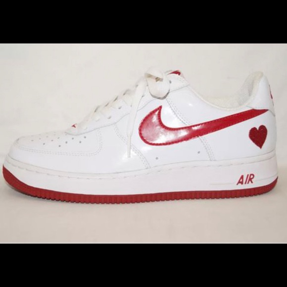 2004 Valentine's Day Air Force 1s **RARE find**